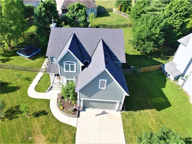 305 W 11th Terrace, Kearney, MO 64060 (#2113089) :: Edie Waters Network
