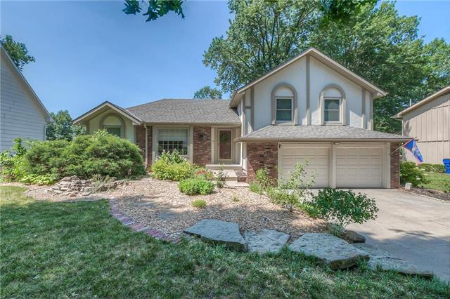 2925 Yellowstone Drive, Lawrence, KS 66044 (#2113109) :: The Shannon Lyon Group - ReeceNichols
