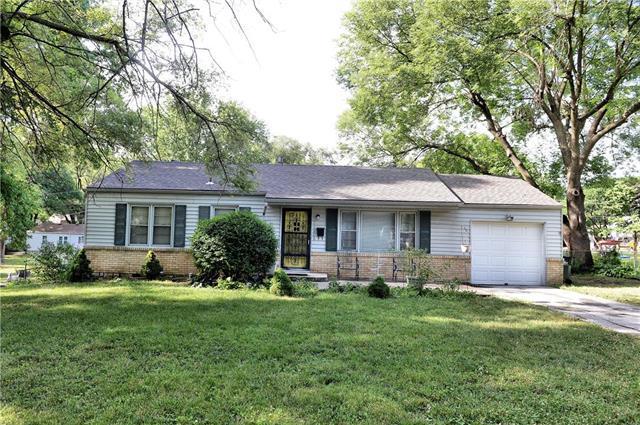 10800 W 56 Street, Shawnee, KS 66203 (#2113137) :: Kansas City Homes