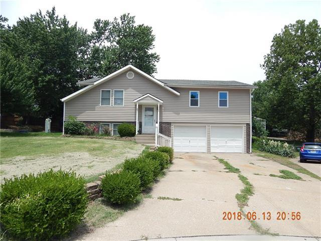 1006 NE Westwind Court, Lee's Summit, MO 64086 (#2113184) :: No Borders Real Estate