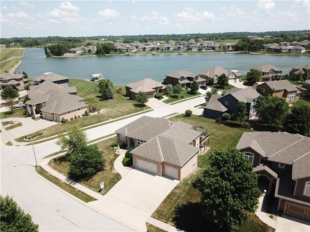 1209 Thompson Circle, Raymore, MO 64083 (#2113220) :: No Borders Real Estate