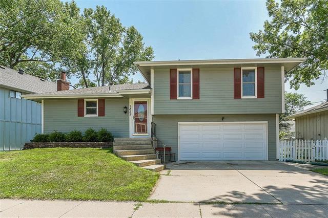 1829 E Pawnee Drive, Olathe, KS 66062 (#2113257) :: No Borders Real Estate