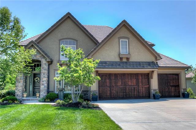 6179 Southlake Drive, Parkville, MO 64152 (#2113262) :: No Borders Real Estate