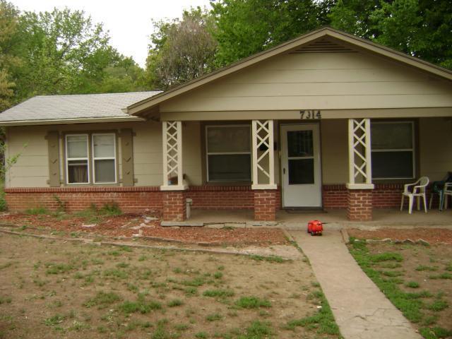 7914 Brooklyn Avenue, Kansas City, MO 64132 (#2113269) :: Edie Waters Network