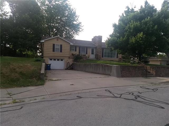 1502 Lake Road, Liberty, MO 64068 (#2113280) :: No Borders Real Estate