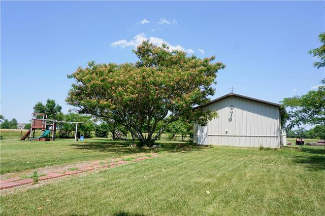 15487 Moonlight Road, Olathe, KS 66061 (#2113294) :: No Borders Real Estate