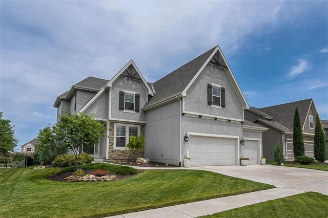 17321 Hauser Street, Overland Park, KS 66221 (#2113308) :: No Borders Real Estate