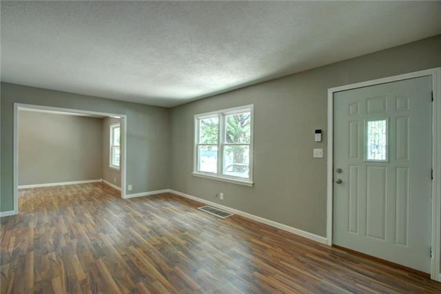9601 E 67th Terrace, Raytown, MO 64133 (#2113317) :: No Borders Real Estate