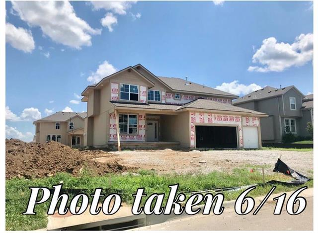 5125 Meadow Lark Drive, Shawnee, KS 66226 (#2113338) :: No Borders Real Estate