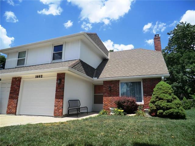 1602 E Elm Terrace, Olathe, KS 66062 (#2113347) :: No Borders Real Estate