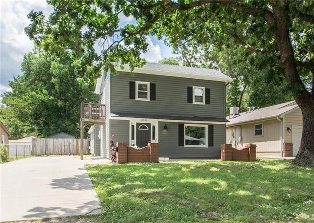 8936 Oak Street, Kansas City, MO 64114 (#2113351) :: No Borders Real Estate
