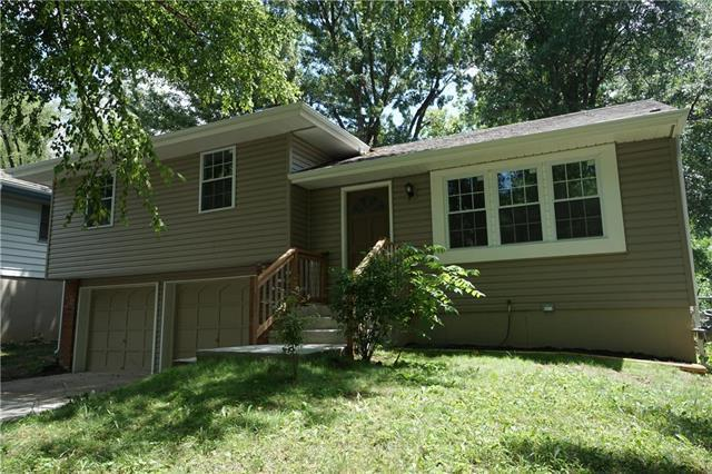 1617 NW 67th Terrace, Kansas City, MO 64118 (#2113364) :: Edie Waters Network
