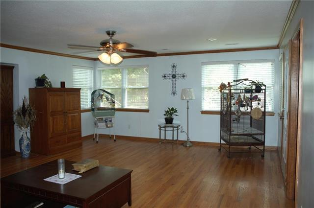 11000 W 35th Street, Independence, MO 64052 (#2113371) :: No Borders Real Estate
