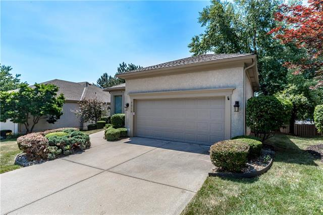 7919 W 118th Place, Overland Park, KS 66210 (#2113384) :: No Borders Real Estate