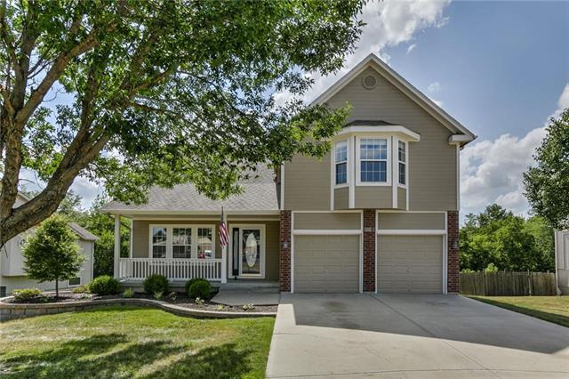 820 S Fox Ridge Drive, Raymore, MO 64083 (#2113389) :: No Borders Real Estate