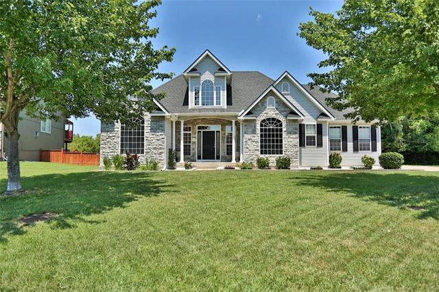 21204 E 50th Terrace Drive, Blue Springs, MO 64015 (#2113425) :: The Shannon Lyon Group - ReeceNichols