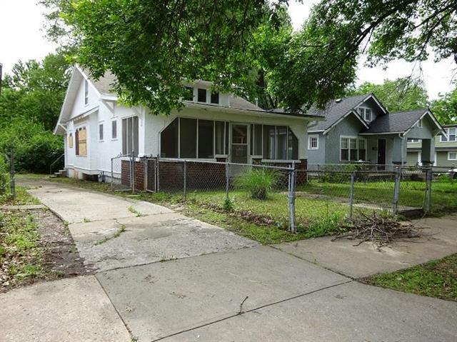 5613 Michigan Avenue, Kansas City, MO 64130 (#2113444) :: Edie Waters Network