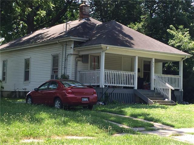435 Walnut Avenue, Osawatomie, KS 66064 (#2113454) :: Kedish Realty Group at Keller Williams Realty