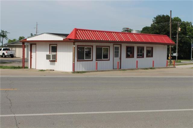 158 S Peculiar Drive, Peculiar, MO 64078 (#2113467) :: HergGroup Kansas City
