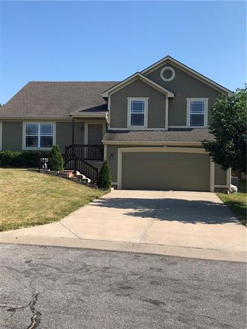 13715 Berger Avenue, Bonner Springs, KS 66012 (#2113492) :: Edie Waters Network