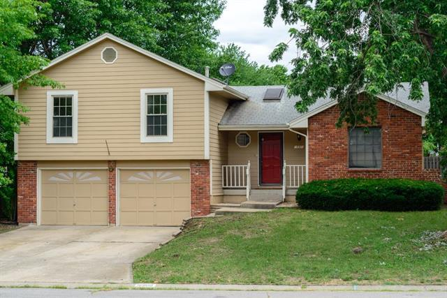 16900 E 51st Terrace S. Court, Independence, MO 64055 (#2113511) :: Edie Waters Network