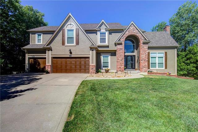 13813 W 56th Terrace, Shawnee, KS 66216 (#2113516) :: Kedish Realty Group at Keller Williams Realty