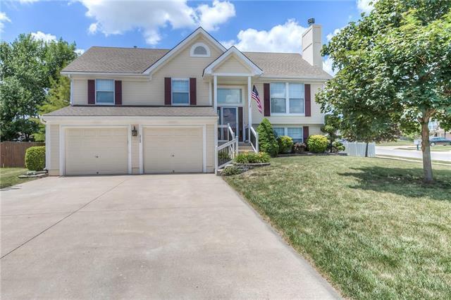 212 N Lakeshore Drive, Raymore, MO 64083 (#2113562) :: No Borders Real Estate