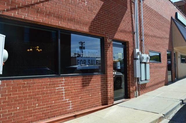 105 E Pine Street, Warrensburg, MO 64093 (#2113590) :: Edie Waters Network
