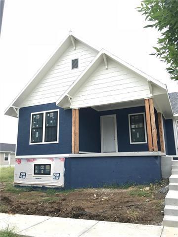 9005 NE 79th Terrace, Kansas City, MO 64158 (#2113615) :: Edie Waters Network