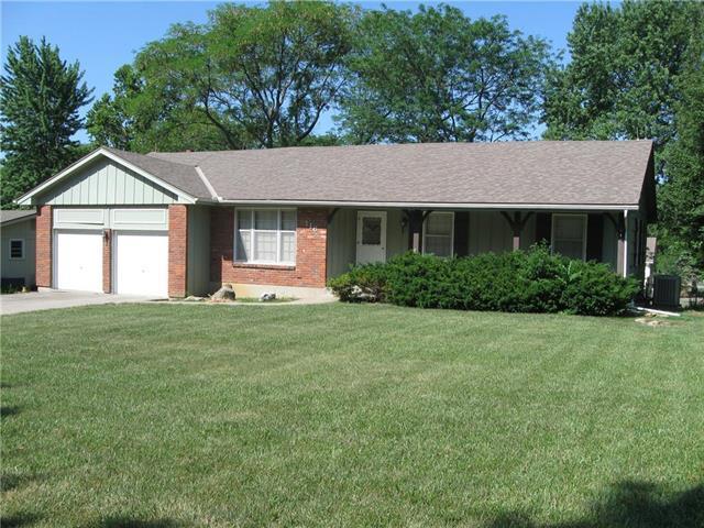 116 Tuscarora Lane, Lake Winnebago, MO 64034 (#2113621) :: No Borders Real Estate