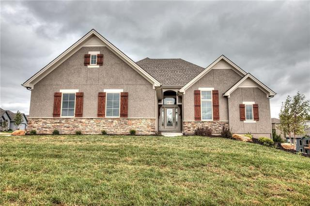 4602 NW 70th Terrace, Kansas City, MO 64151 (#2113701) :: House of Couse Group