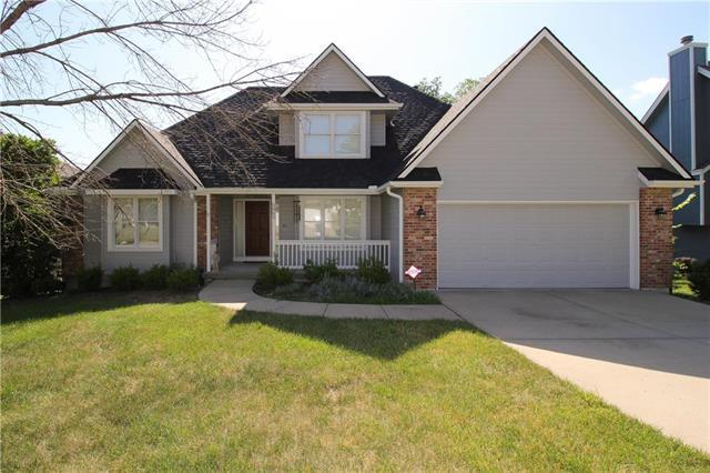 5905 N Liston Court, Kansas City, MO 64151 (#2113717) :: Dani Beyer Real Estate