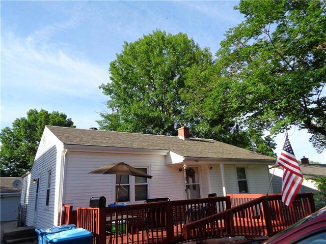 10604 E 26th Street, Independence, MO 64052 (#2113777) :: Edie Waters Network