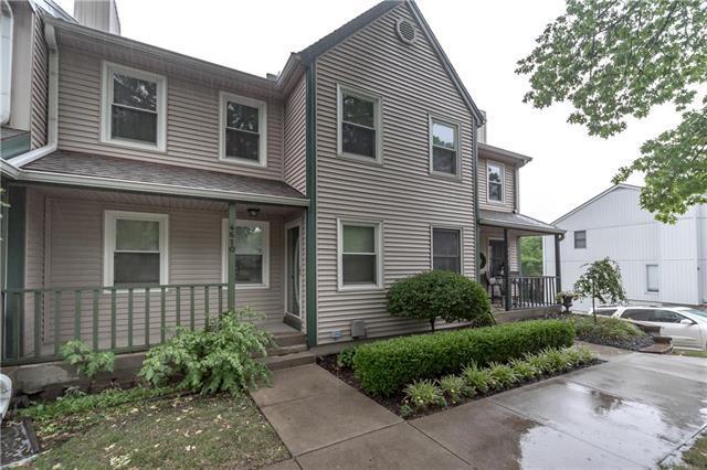 4610 NW 58th Terrace, Kansas City, MO 64151 (#2113801) :: The Shannon Lyon Group - ReeceNichols