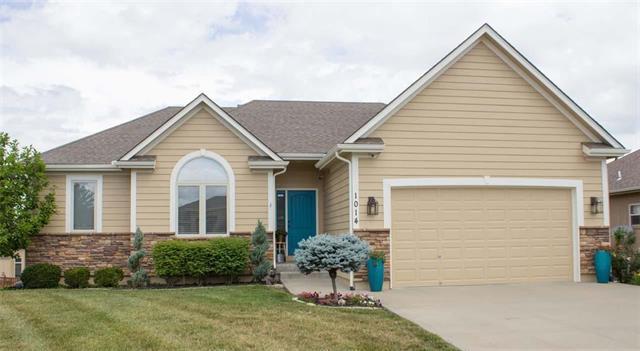 1014 NW Magnolia Lane, Grain Valley, MO 64029 (#2113833) :: No Borders Real Estate