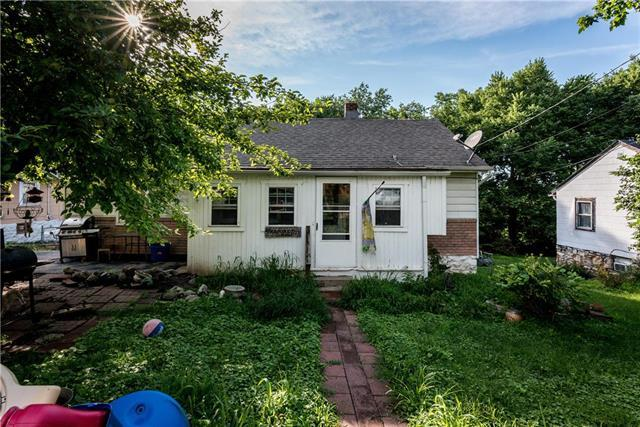 568 Ridgeview Avenue, Kansas City, KS 66103 (#2113957) :: Edie Waters Network