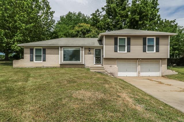 7324 Flint Drive, Shawnee, KS 66203 (#2114018) :: Kedish Realty Group at Keller Williams Realty