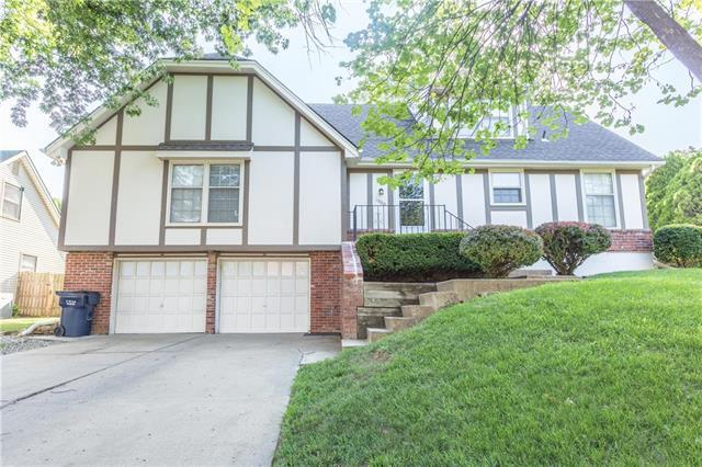 1900 NW 9th St Court, Blue Springs, MO 64014 (#2114047) :: No Borders Real Estate