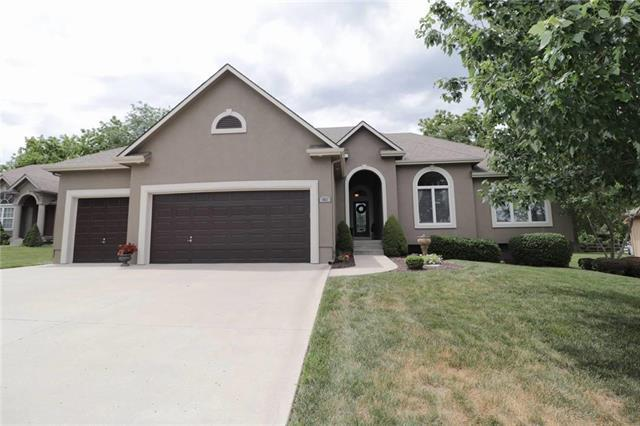 4011 SW 15th Court, Blue Springs, MO 64015 (#2114052) :: No Borders Real Estate