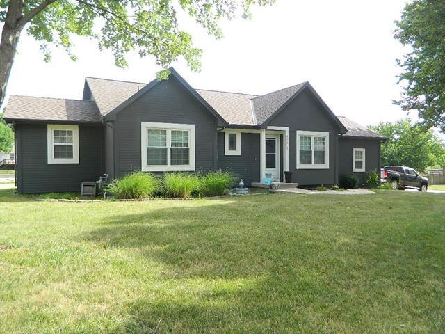 24010 W 57th Terrace, Shawnee, KS 66226 (#2114097) :: Kedish Realty Group at Keller Williams Realty