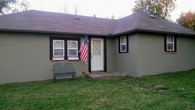 512 Union Street, Oskaloosa, KS 66066 (#2114113) :: Edie Waters Network