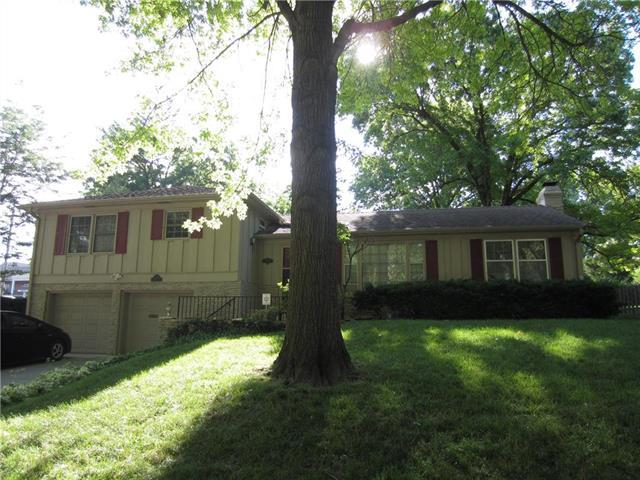 8301 Overbrook Road, Leawood, KS 66206 (#2114116) :: No Borders Real Estate