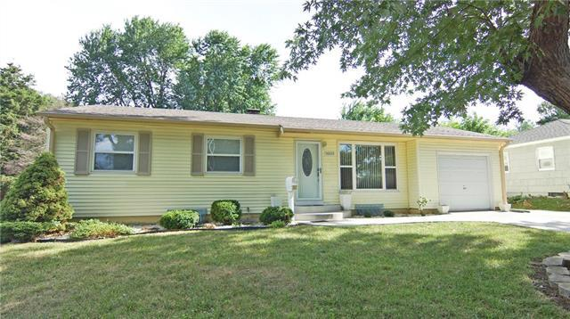 14600 E 39th Terrace, Independence, MO 64055 (#2114138) :: No Borders Real Estate