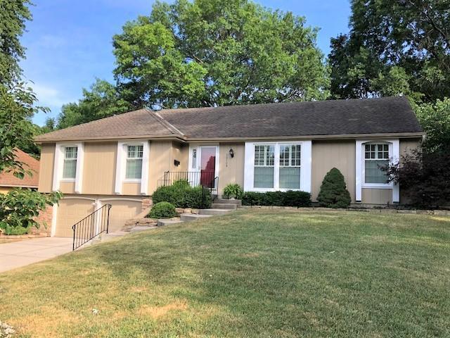 10709 W 101st Street, Overland Park, KS 66214 (#2114162) :: Kedish Realty Group at Keller Williams Realty