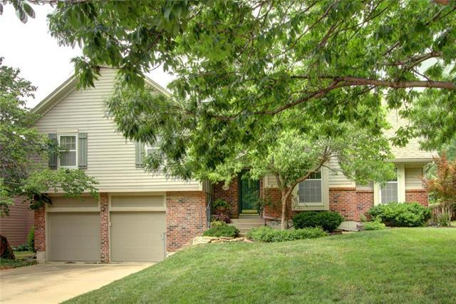 11624 Cody Street, Overland Park, KS 66210 (#2114164) :: No Borders Real Estate