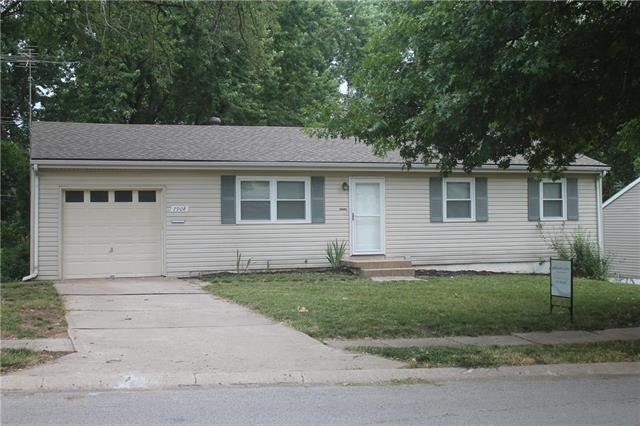 7908 NE 55th Street, Kansas City, MO 64119 (#2114198) :: Edie Waters Network