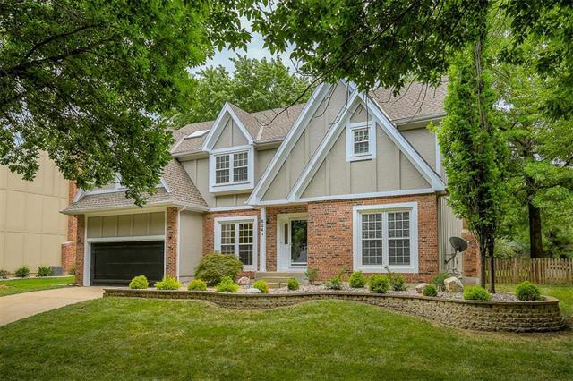 5241 W 130th Terrace, Leawood, KS 66209 (#2114225) :: No Borders Real Estate