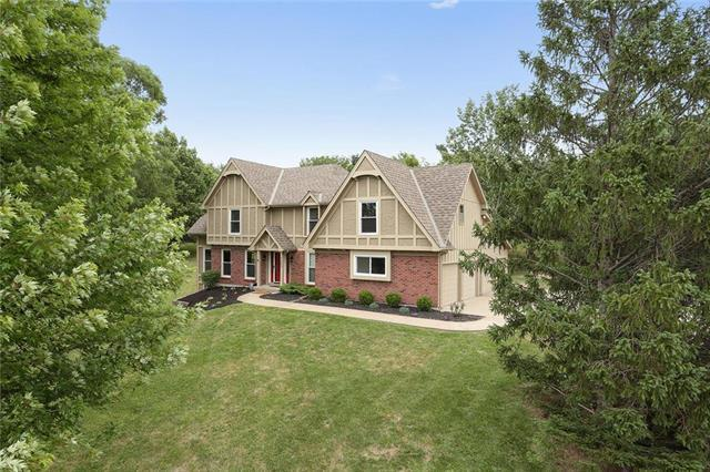 7207 NW Nevada Avenue, Parkville, MO 64152 (#2114227) :: Edie Waters Network