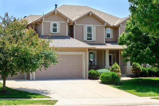 15837 S Rosewood Drive, Overland Park, KS 66224 (#2114236) :: Kedish Realty Group at Keller Williams Realty
