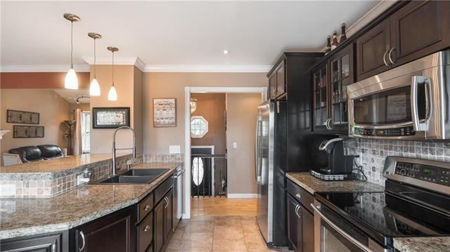 15604 W 151st Terrace, Olathe, KS 66062 (#2114242) :: Kedish Realty Group at Keller Williams Realty